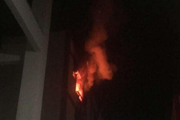 Apartamento pega fogo no Méier, na Zona Norte do Rio