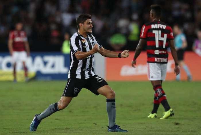 a20c43bcbb Confira as notas dos jogadores do Botafogo na vitória do clássico O ...