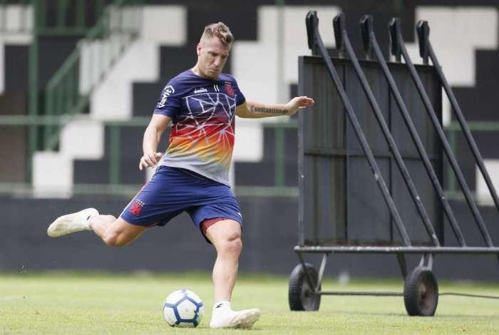 Maxi López treinou normalmente