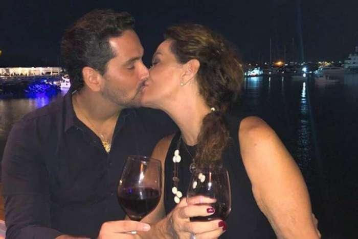 Ex-BBB Ieda e o advogado Marcelo Gomes estão juntos há aproximadamente dois meses