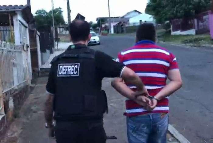 Policiais civis de todo o país participam de uma ação nacional de combate ao tráfico de drogas nas proximidades e dentro das escolas
