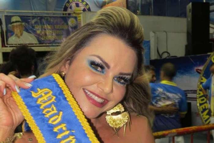 Maísa Magalhães é coroada Rainha do Carnaval