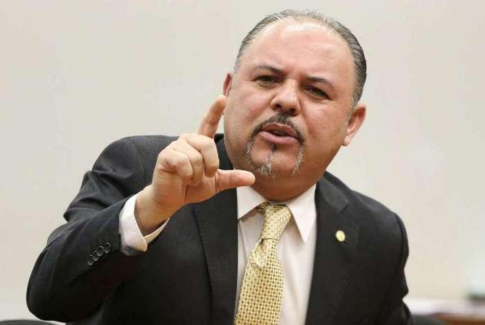 Relator da Comissão Especial da Câmara que analisa o projeto de lei sobre a Escola sem Partido, deputado Flavinho, chamou colega de mentirosa e dissimulada