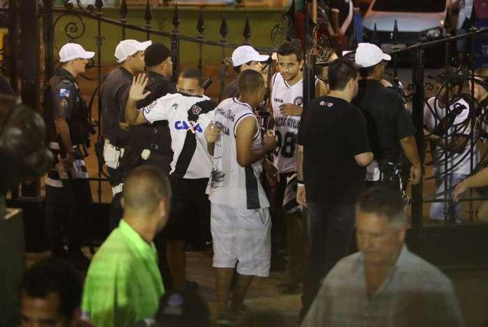 Partida em São Januário terminou com confusão