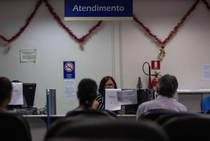 Após agendar pedido de benefício, os segurados deverão comparecer à agência do INSS com documentos