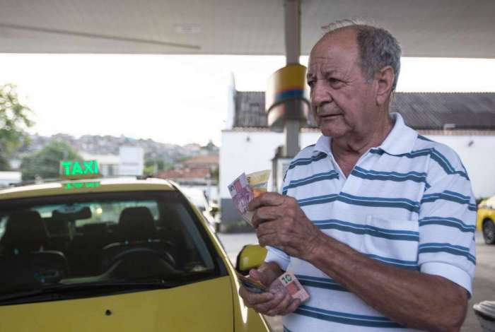 O motorista Israel Magalhães desabafa: