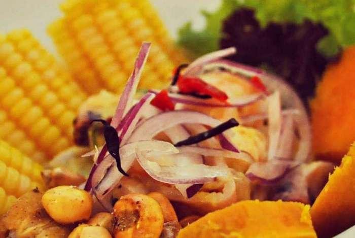 Ceviche de camarão do Intihuasi, primeiro restaurante peruano no Rio