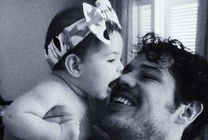 José Loreto com a filhinha, Bella
