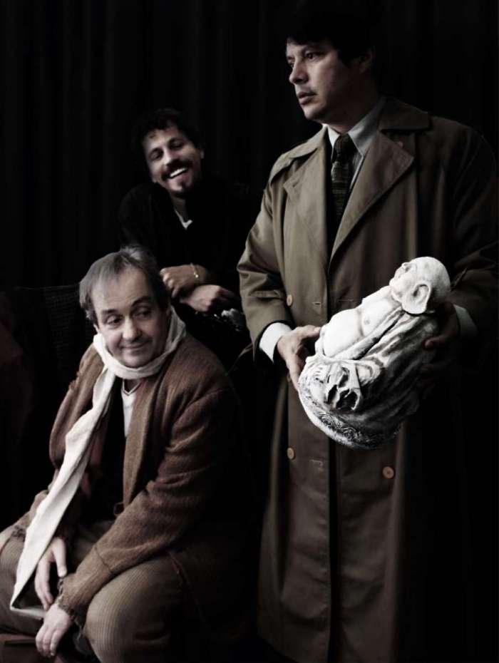 O elenco da peça 'O Inoportuno'