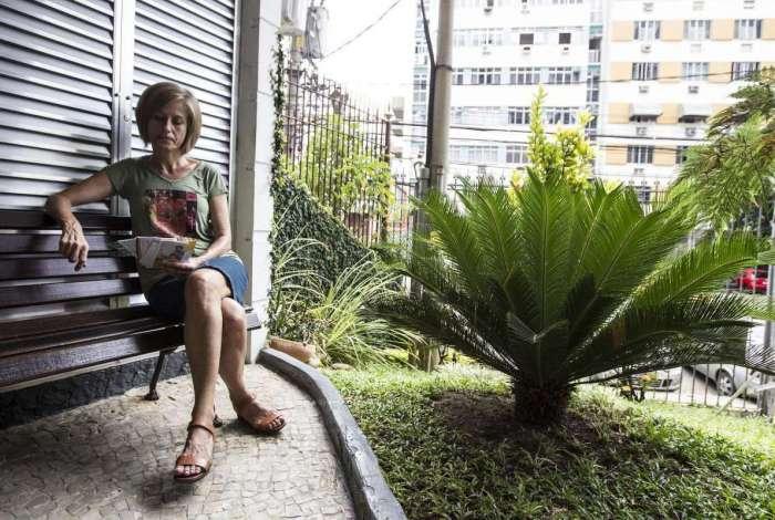 A professora aposentada Eliane Castro vai sentir o impacto do desconto da contribuição: