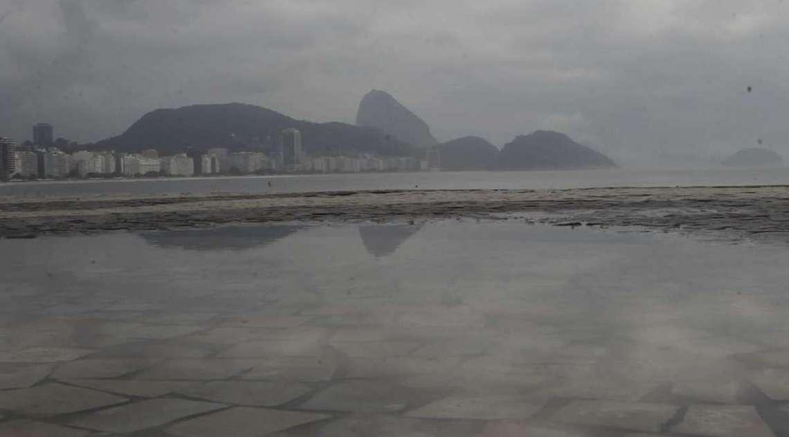 Tempo muda no Rio nesta sexta-feira, após calorão e dia de praias cheias na Zona Sul