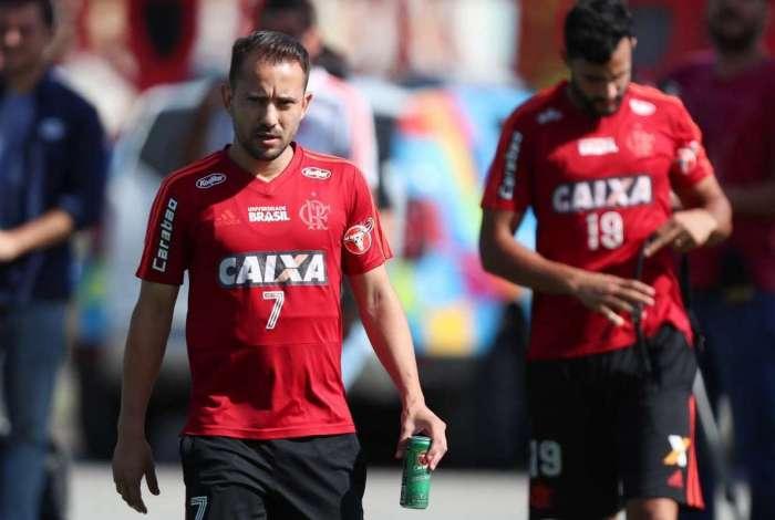 Éverton Ribeiro espera um jogo difícil contra o Sport e dá a receita para o Fla vencer: esquecer o líder Palmeiras