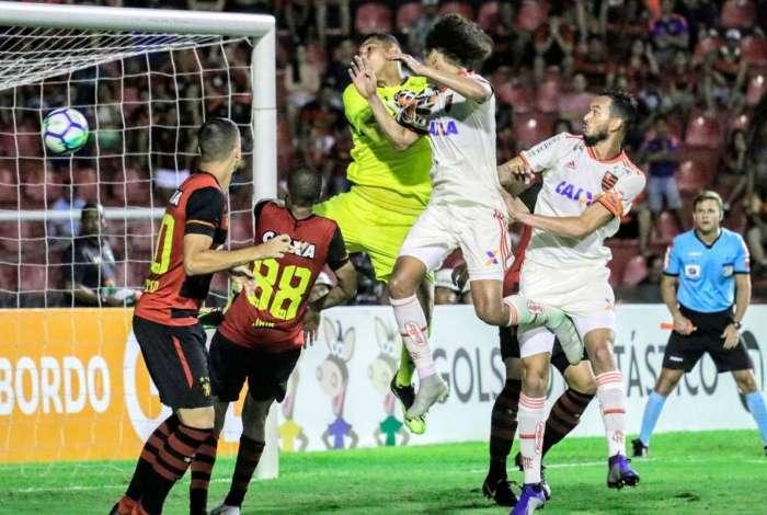 Willian Arão marcou para o Flamengo contra o Sport