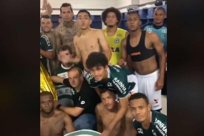 Jogadores do Goiás publicaram vídeo nas redes sociais comemorando o acesso