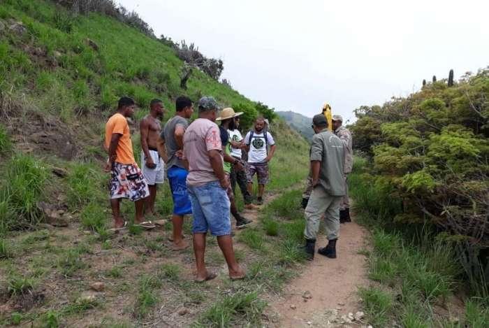 Turista desaparece em Arraial do Cabo e bombeiros fazem buscas
