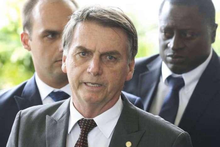 Jair Bolsonaro fez novas exigências aos médicos Cubanos do programa Mais Médicos