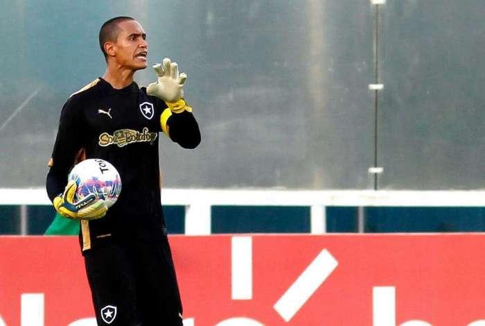 Renan em ação pelo Botafogo