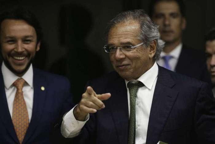 O futuro ministro da Economia, Paulo Guedes, durante reunião na Câmara dos Deputados com presidente da Comissão Mista de Orçamento, deputado Mario Negromonte Jr