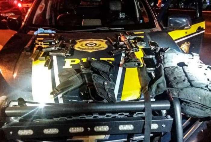 PRF apreendeu armas usadas pelos bandidos no confronto na BR-040