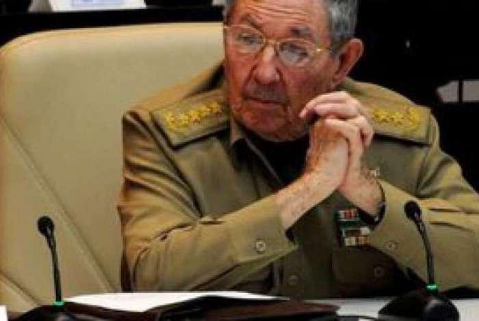 Raúl Castro recebeu os médicos cubanos