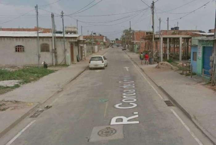Homem foi esfaqueado e morto na Rua Coroa de Cristo, no bairro Âncora, em Rio das Ostras