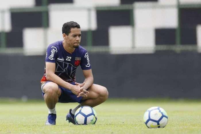Artilheiro do time no Brasileiro, Pikachu pode estar de saída do Vasco