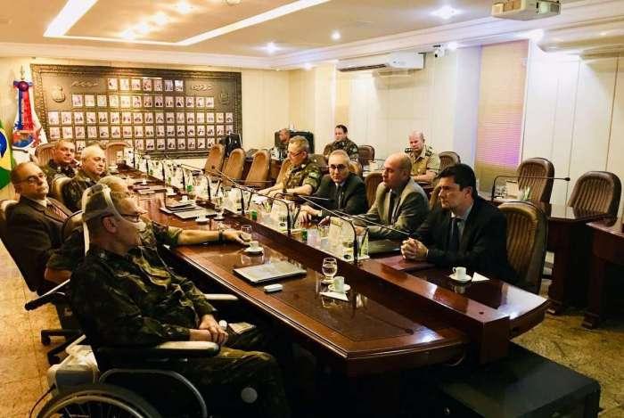 General Villas Boâs se reuniu com Moro