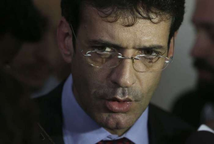 Deputado Marcelo Álvaro Antônio (PSL-MG) fala à imprensa após reunião dos governadores eleitos dos estados do nordeste, em Brasília