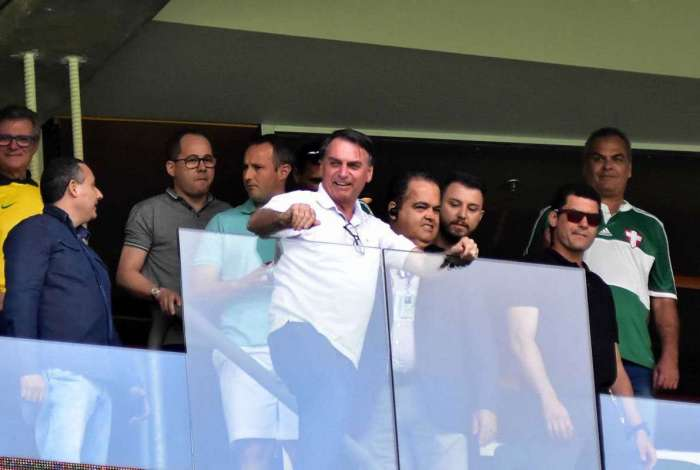 Bolsonaro costuma marcar presença em jogos de futebol