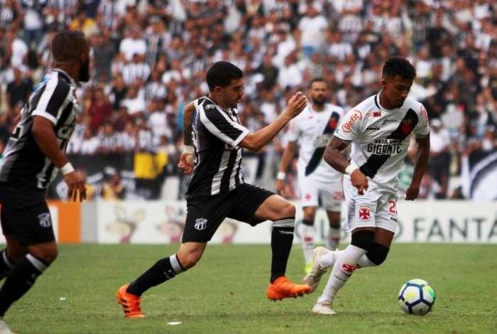 Novidade na escalação, Caio Monteiro foi substituído por Marrony aos 19 minutos do segundo tempo