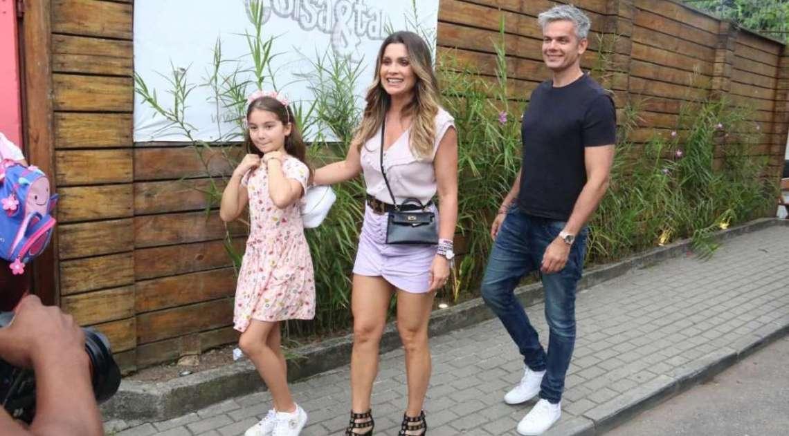 Flávia Alessandra e Otaviano Costa com a filha Olívia