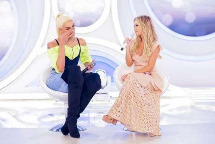 A cantora recebeu homenagens durante o 'Programa da Eliana'
