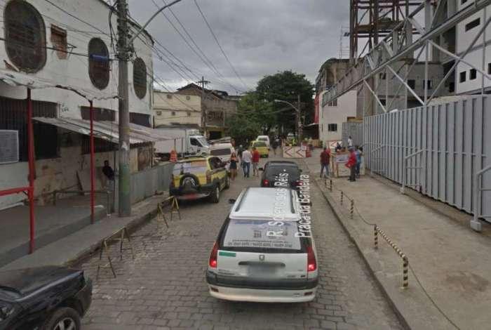 Rua Sotero Reis, na Praça da Bandeira