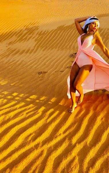 Ana Paula Evangelista visita pontos turísticos de Dubai