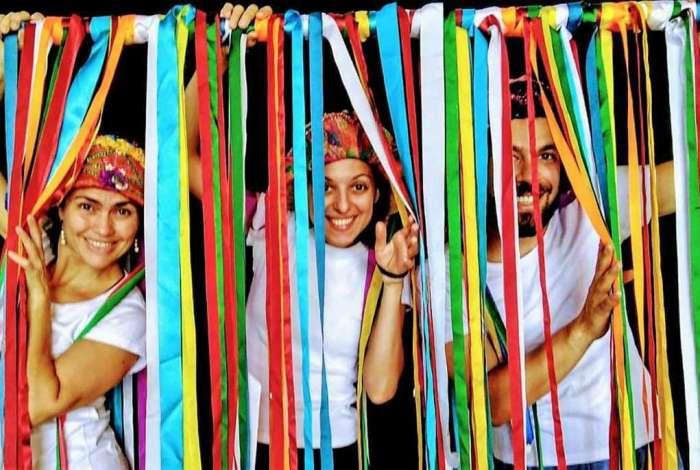 Peça 'A Estrela Dalva' faz passeio pela cultura popular brasileira