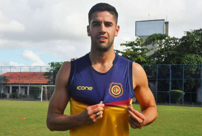 Iván Cañete reforça o Madureira
