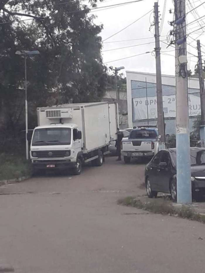 Caminhão de carga roubada recuperado