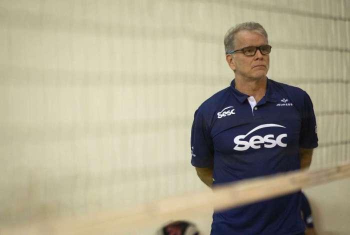 Bernardinho, técnico do time feminino de vôlei Sesc RJ