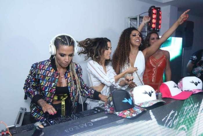 Pérola Faria, Valéria Valenssa, Juliana Rios, DJ Taty Zatto