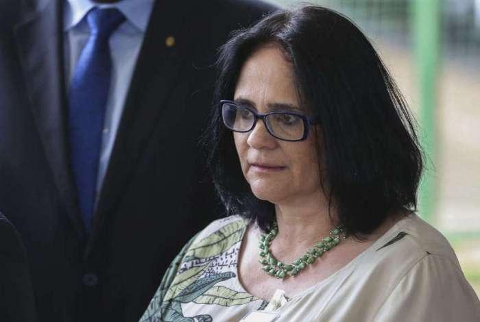 Futura ministra de Mulher, Família e Direitos Humanos, Damares Alves, fala à imprensa no CCBB. Ela também ficará responsável pela Funai