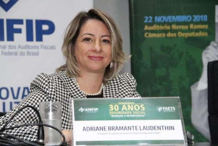 Adriane Bramante destaca a importância de manter os dados atualizados no cadastro do INSS