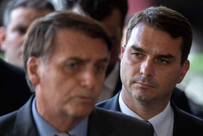 Jair e Flavio Bolsonaro