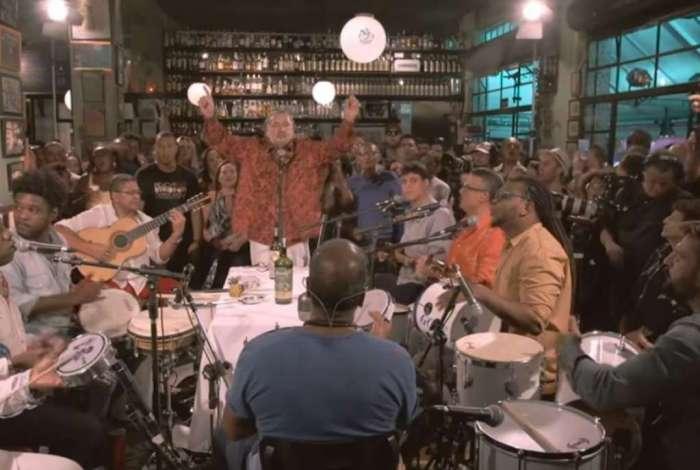 Criado há 13 anos, por Moacyr Luz, o Samba do Trabalhador lota o Clube Renascença, às segundas-feiras, e já foi há vários estados. O último DVD (foto) foi gravado em  São Paulo