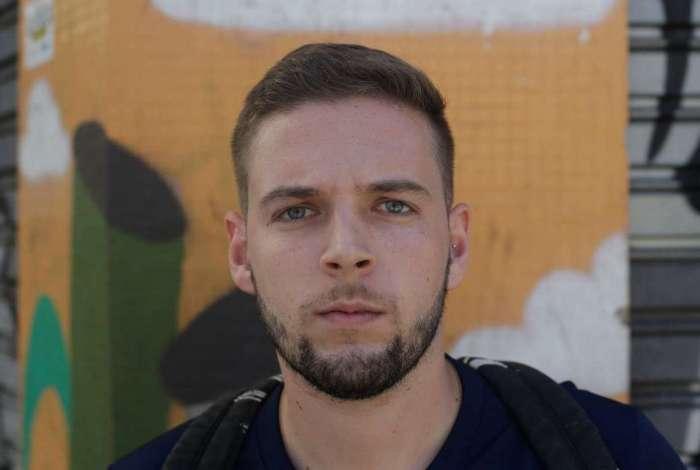 GABRIEL SIQUEIRA FILHO, 23 anos, vendedor, mora no Centro do Rio