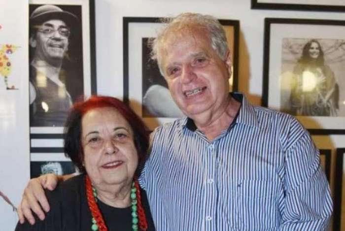 Luis Carlos Magalhães, presidente da Portela, com Rosa no primeiro lançamento