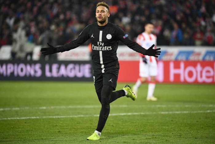 Neymar foi elogiado por Dybala