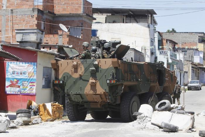 Militares no Complexo do Chapadão,pela primeira vez foi apresentado e colocados em operação os novos Blindados que chegaram da França