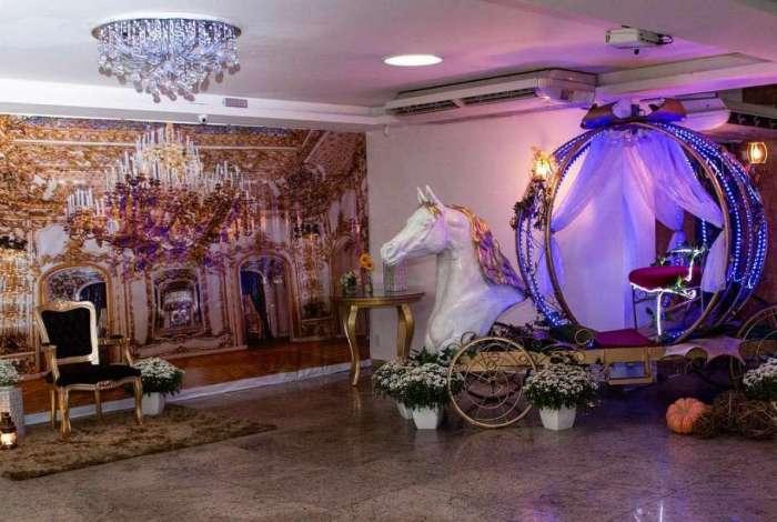 O tema da Cinderela é um dos mais procurados pelas debutantes que comemoram no espaço Lescamar