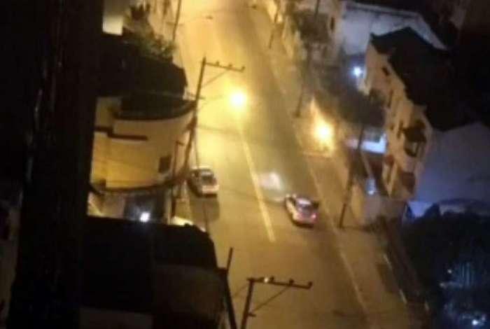 Policiais militares foram vistos na região