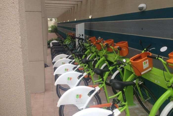 Condomínios passam a adotar o sistema de bicicletas compartilhadas para atrair novos moradores